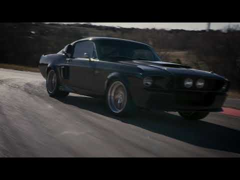 Classic Recreation's Full Carbon-Fiber '67 Shelby Mustang GT500 CR