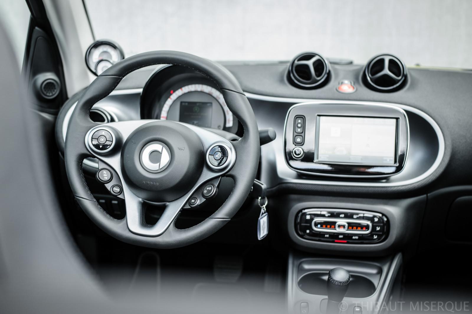 smart fortwo cabrio interior