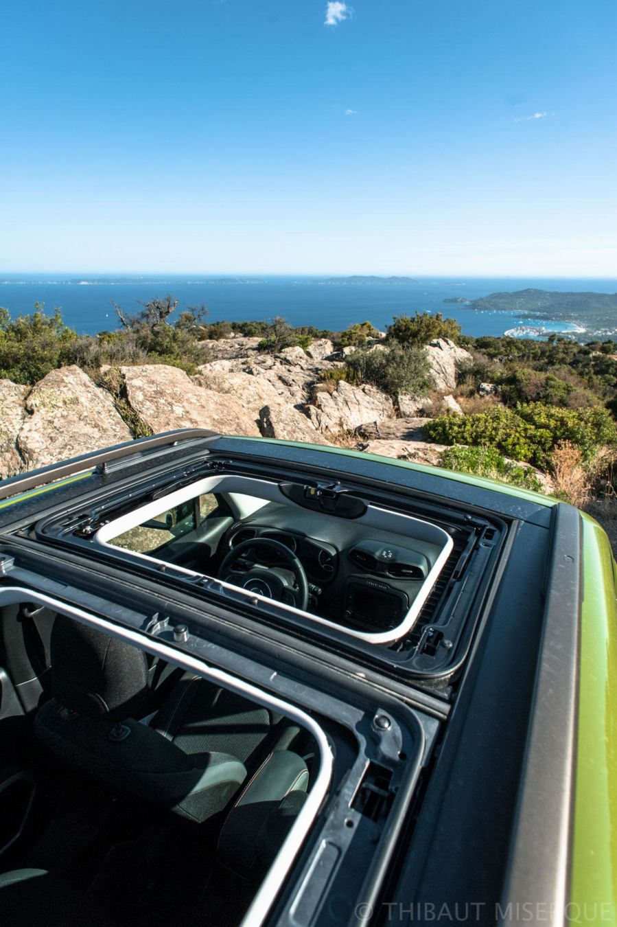 essai_jeep_renegade_75th_anniversary_roof