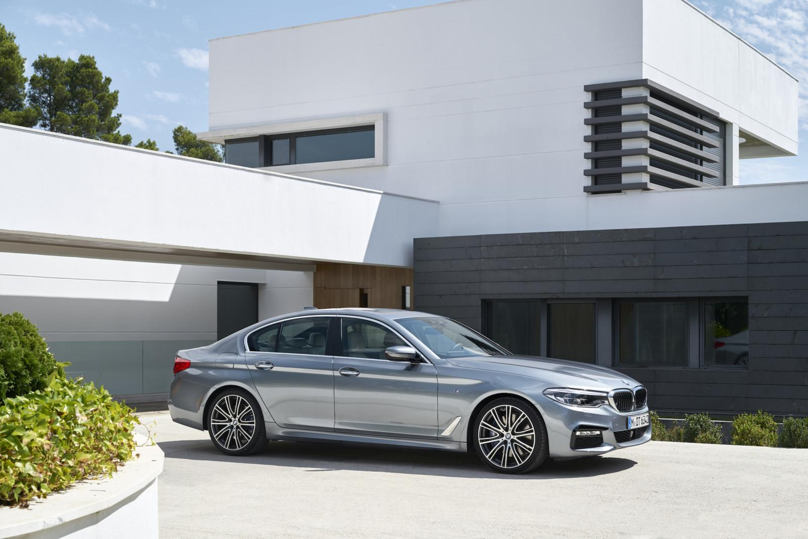 p90237221_highres_the-new-bmw-5-series