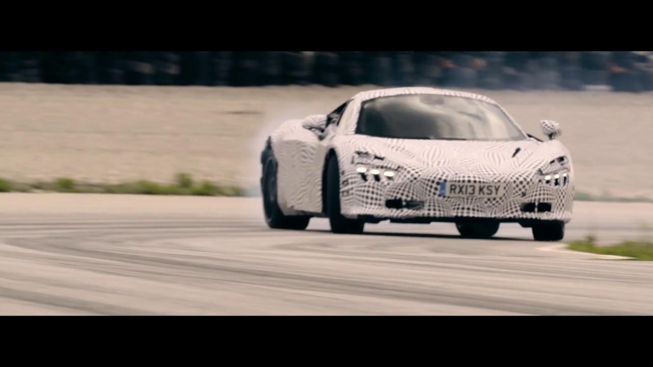Photo de La remplaçante de la McLaren 650S s'échauffe sur la piste !