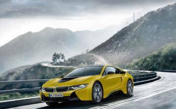 BMW i8 Protonic Frozen Yellow Edition 7 356x220 - Actualité BMW