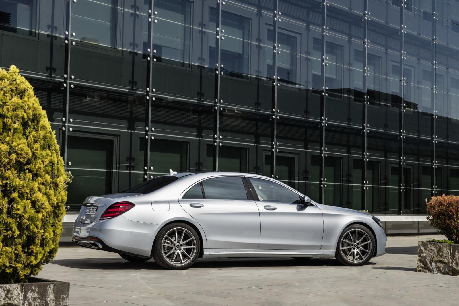 17C247 19 - Mise à jour pour la Mercedes Classe S