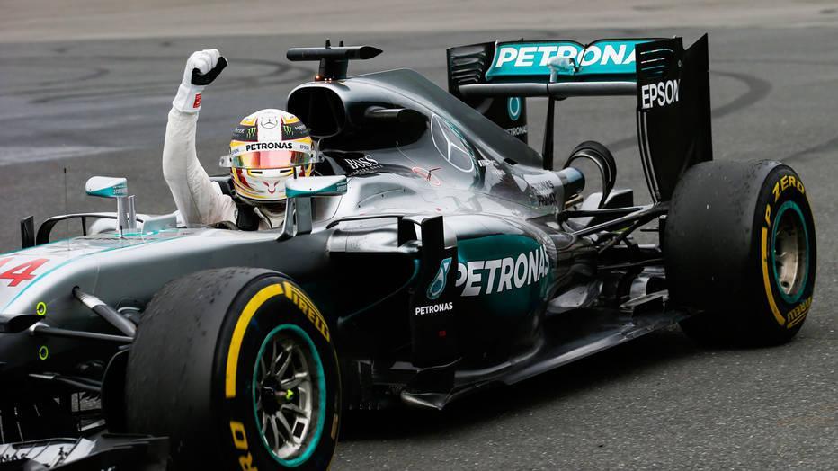 Hamilton @LatPhotographic - Vettel prend la position de leader