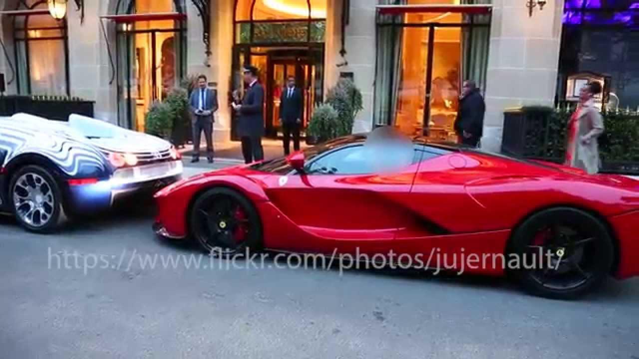 Photo de Une Bugatti Veyron touche une LaFerrari à Paris