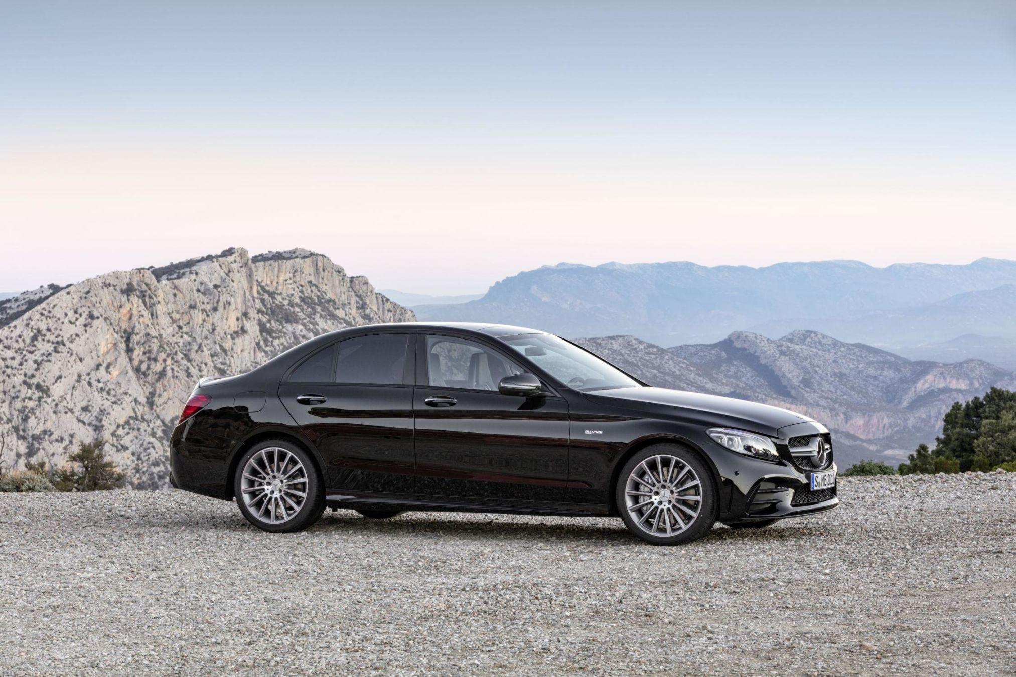 Mercedes-AMG GT 4 Door Coupé : L'ultime teaser