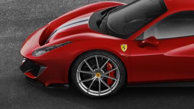 Photo de Un Michelin Pilot Sport Cup 2 K2 sur mesure pour la nouvelle Ferrari 488 Pista