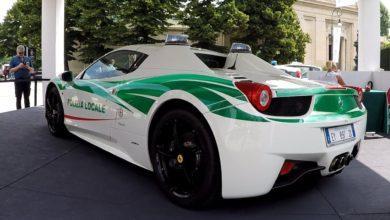 Photo de La Police italienne recycle une Ferrari 458 Spider en voiture de police