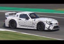 Photo de La Abarth 124 Spider se prépare pour les championnats GT4