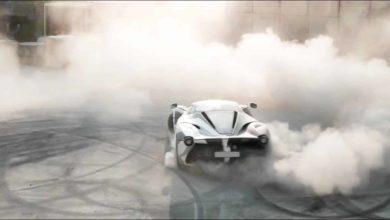 Photo de Vidéo : Petite séance de glisse en Ferrari LaFerrari «Camo»