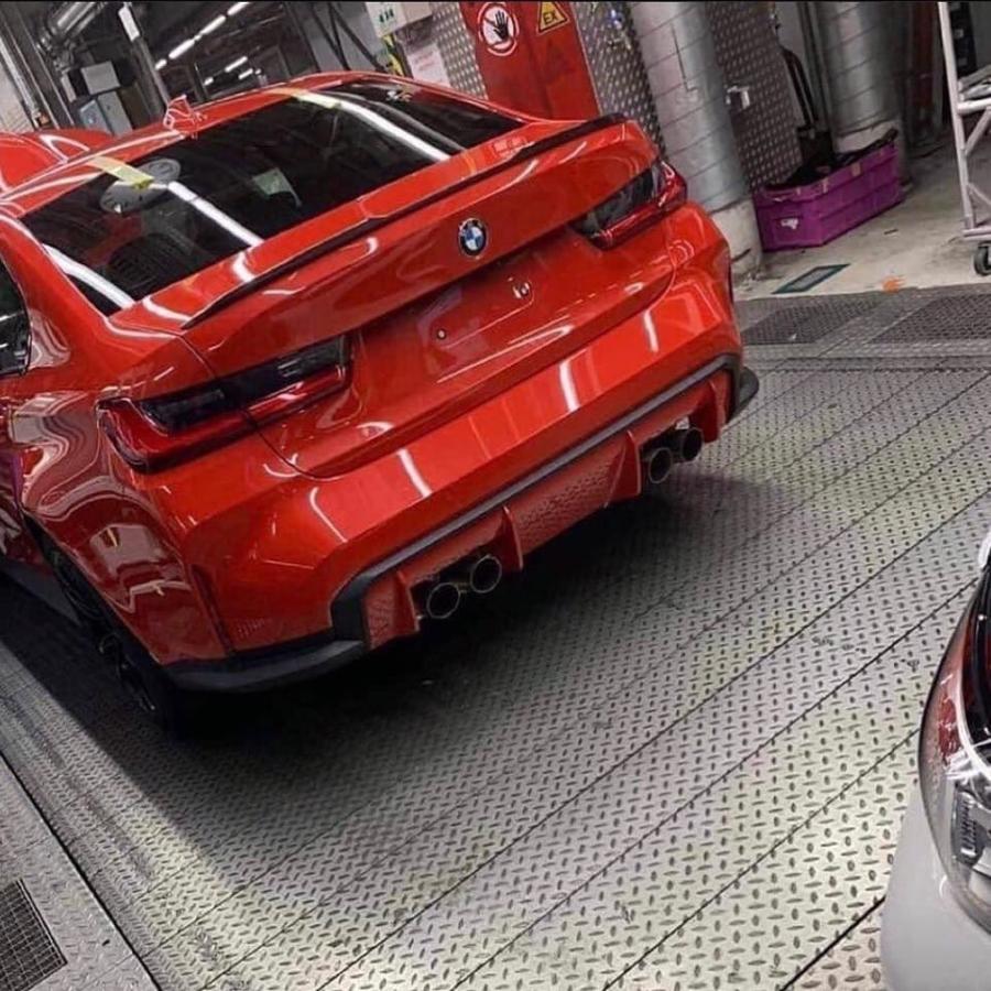 L'arrière de la nouvelle BMW M3 s'affiche sur internet