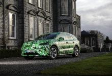 Photo de Skoda en dit plus au sujet du Enyaq iV, premier SUV 100% électrique de la marque