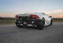 Photo de Hennessey installe deux turbocompresseurs sur une Lamborghini Huracan