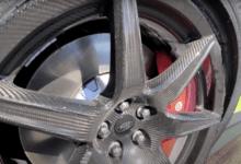 Photo de Vidéo : La jante en fibre de carbone d'une Mustang Shelby GT500 casse net